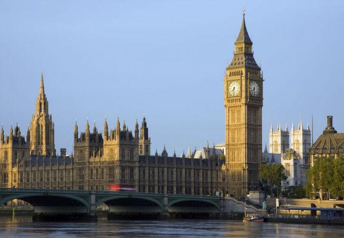 aeroporika-eisitiria-londino